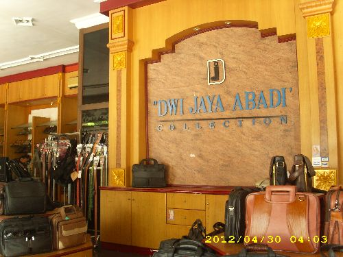 Showroom CV. Dwi Jaya Abadi