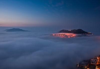 Ciudades conquistadas por la niebla - bahia de Tam Tai