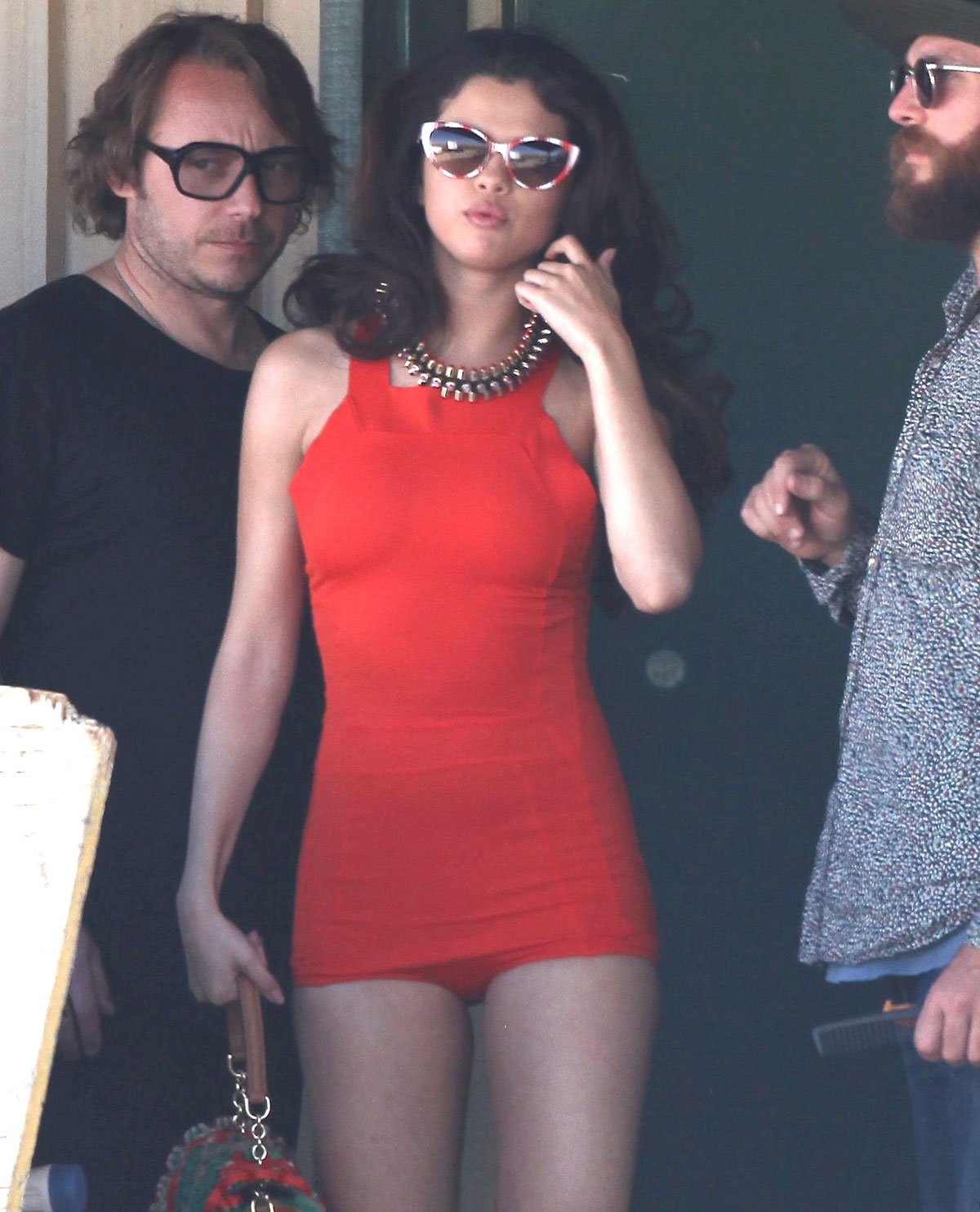 http://4.bp.blogspot.com/-mLdx9d9Ldko/UTldDpjnRqI/AAAAAAAANXo/nCgy78qEObQ/s1600/Selena-Gomez-Filming-a-Video-in-Los-Angeles-13.jpg