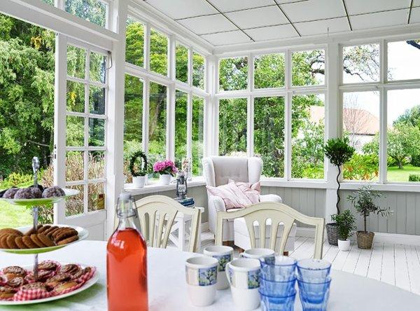 Un porche acristalado decoraci n - Decorar un porche cerrado ...