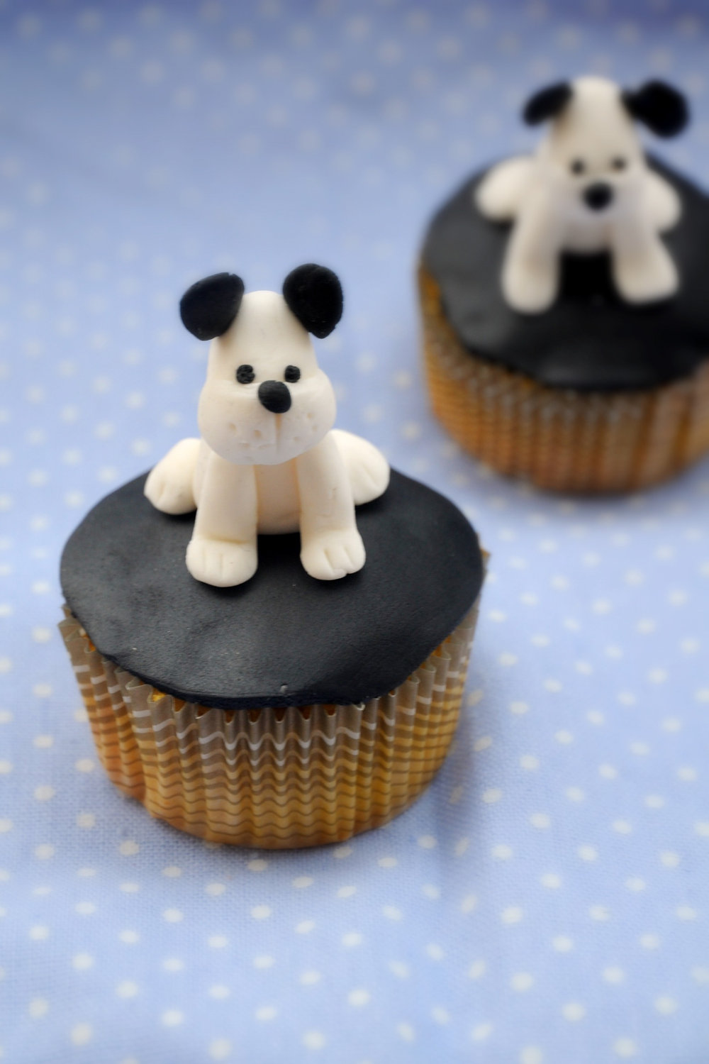 Edible Dog Cake Images : Giveaway USD70 Fondant Cupcake Topper Decorations Party ...