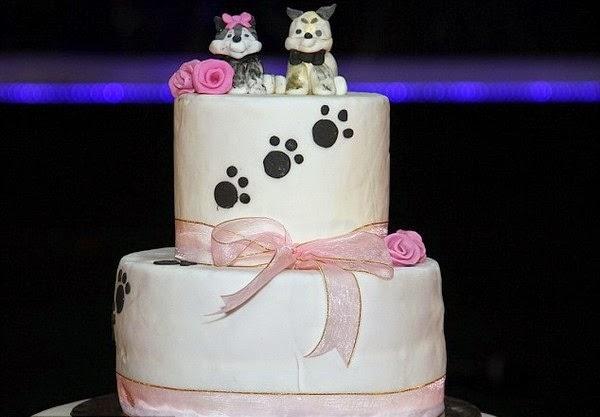 Chiếc bánh cưới được chủ nhân chuẩn bị