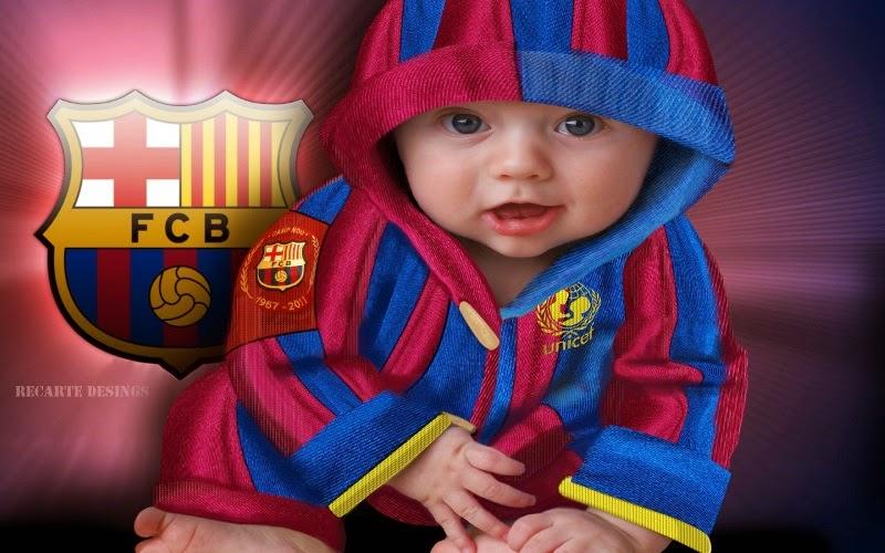 Foto bayi lucu pakai seragam sepak bola barcelona
