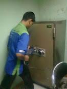 Bongkar Brandkas Ichiban Lupa Kode di PT. Tempuran Mas, Tanjung Priok JKT