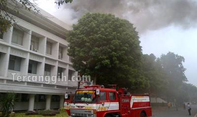 Foto Kebakaran Istana Presiden 2013