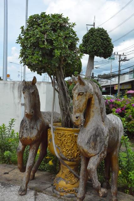 Heroines Monument Phuket horses