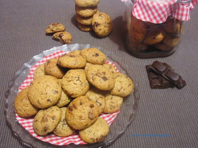 Mini cookies de chocolate y nueces