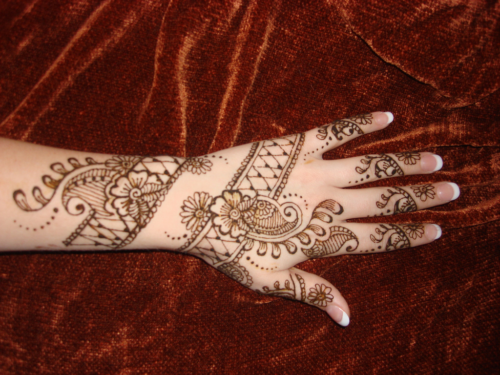 New Mehndi Patterns : Arabic mehndi designs
