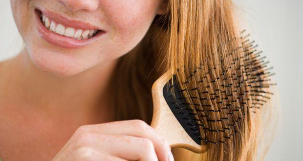 kebiasaan menyisir rambut