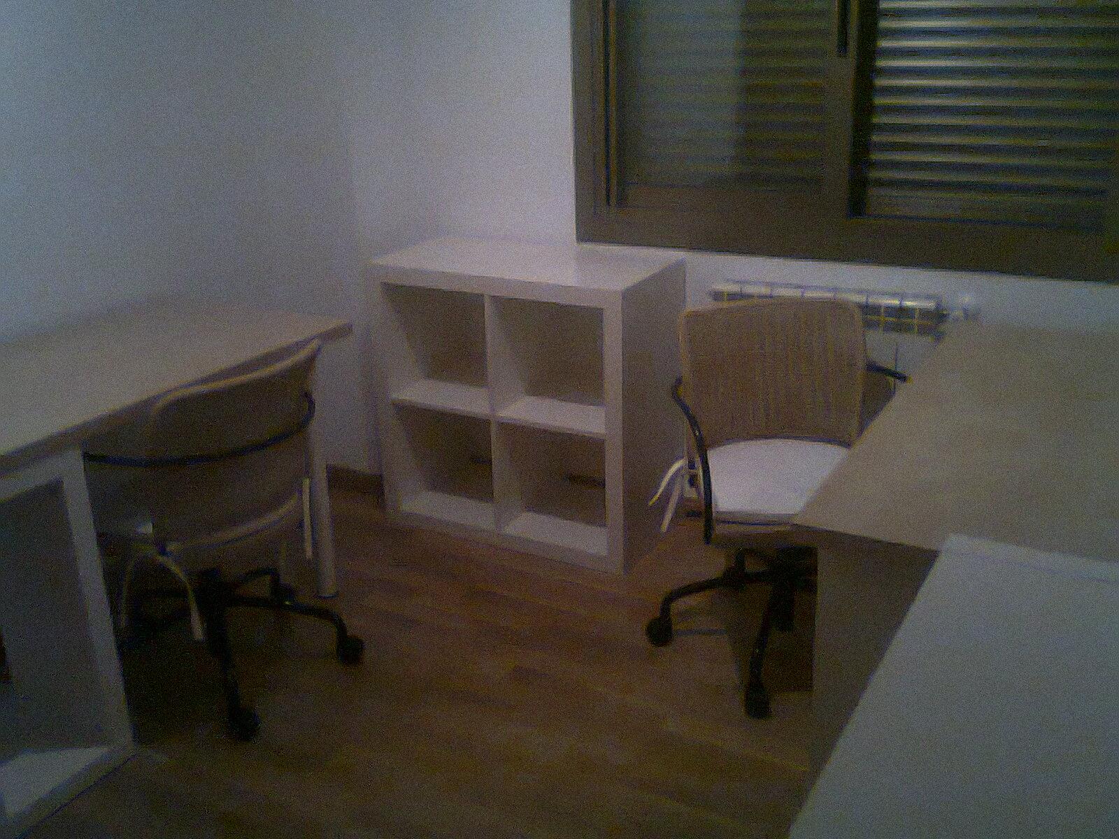 Vendemos nuestras cosas mesa escritorio ikea 30 for Mesa escritorio ikea