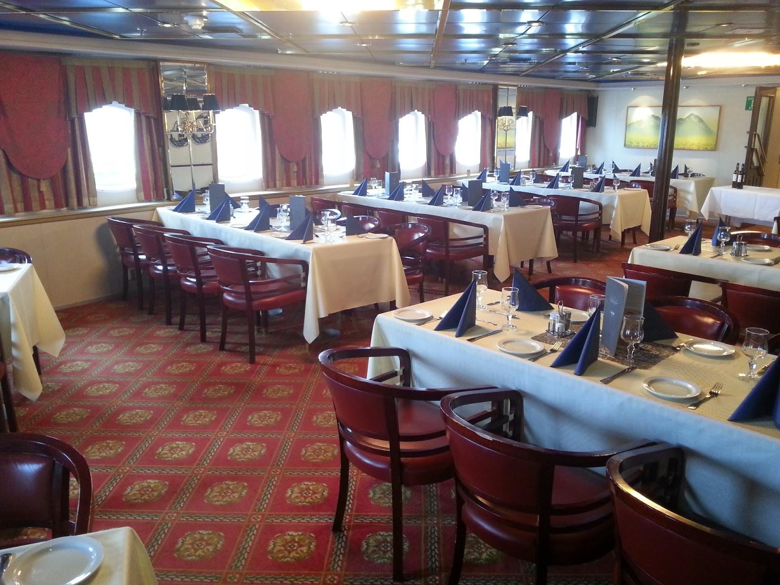 Hurtigruten MS Vesterålen - Main Dining Room/Restaurant