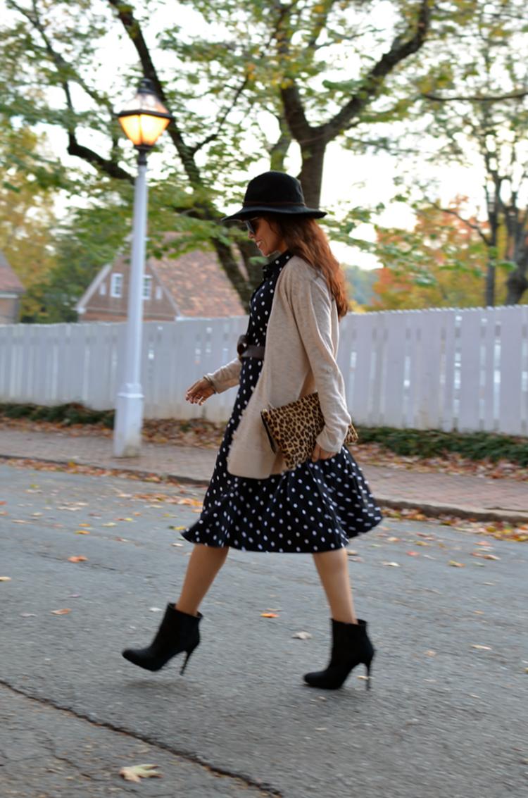 Polka dot dress street style
