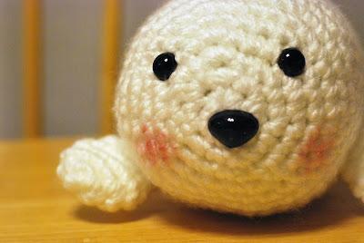 Amigurumi Seal Free Pattern : Knitting Butterflies: Baby Seal Amigurumi