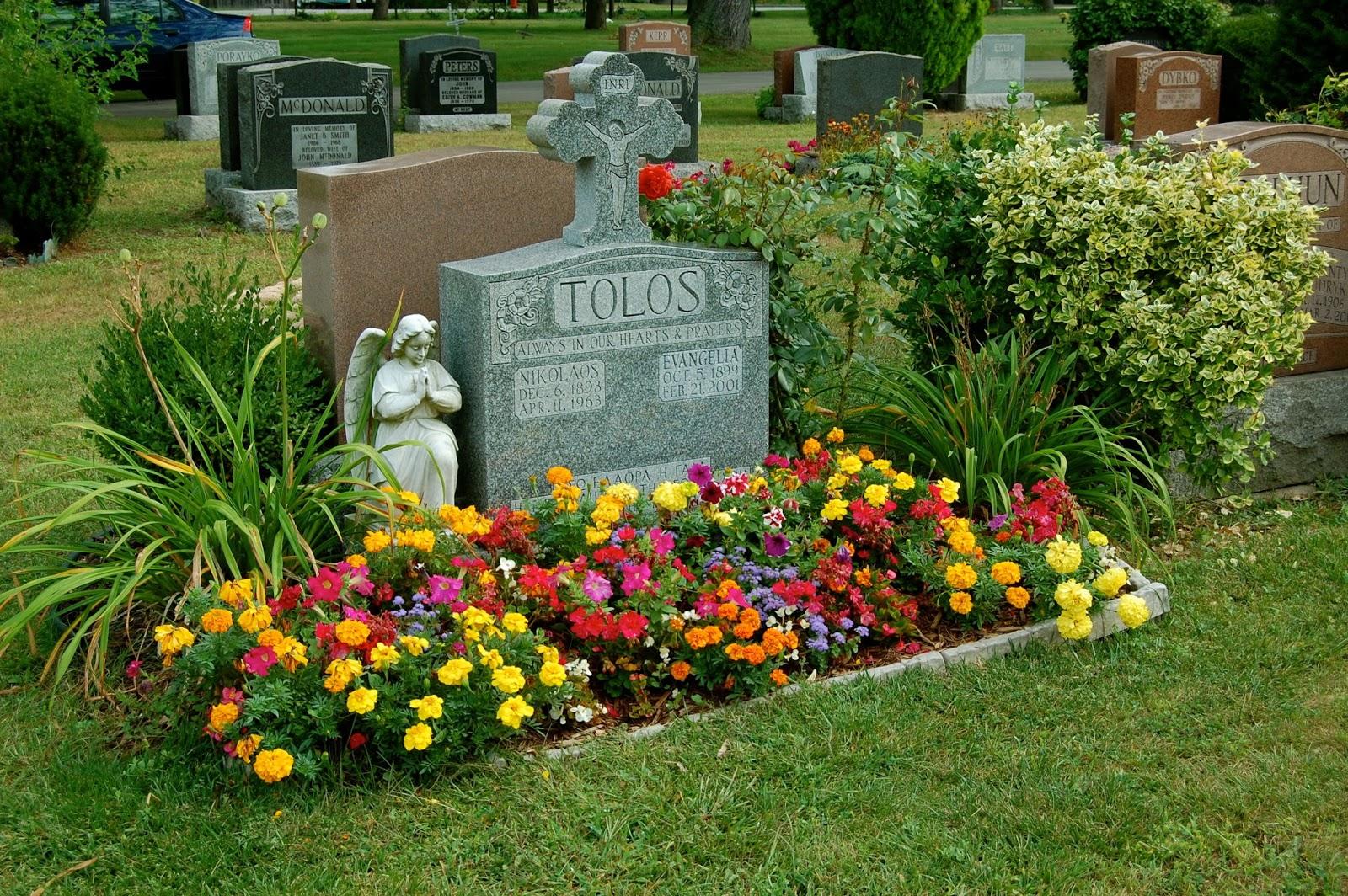 Astrid\'s Garden Design: Cemetery Plants