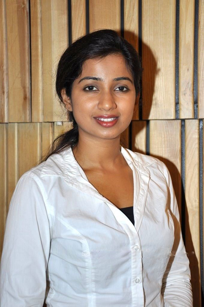 Related to singer shreya ghoshal biography songs movies albums