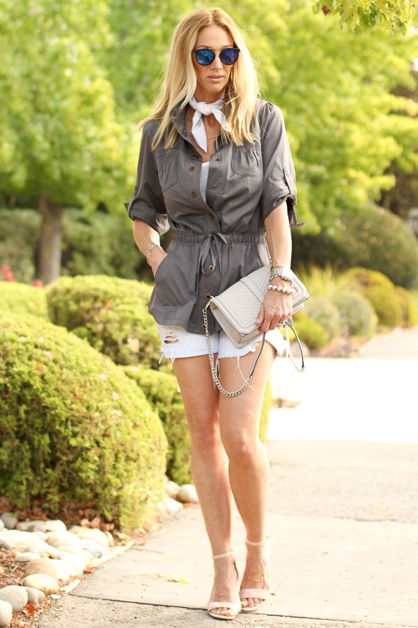 date night outfit ideas shorts with heels parlor girl