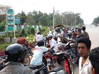>Petrol Quota – 2 gallons a day, every 3 day again – Regime New Order