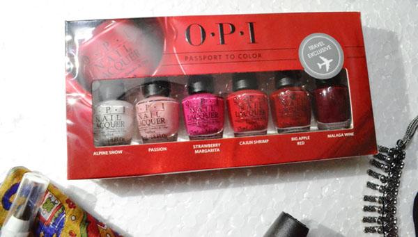 OPI nailpaints travel set