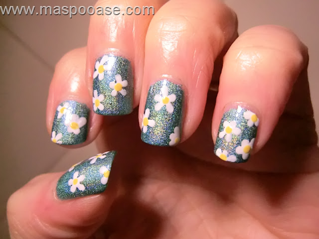 Pretty Jelly Diamond Stealer nail art