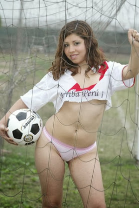 Creo que si las peruanas se animan a jugar fútbol lo pueden hacer mejor que los hombres...