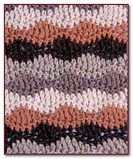 волнистый трехцветный узор