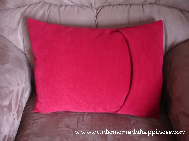 Decorative Pillows Homemade : Our Homemade Happiness: Homemade Alphabet Pillow