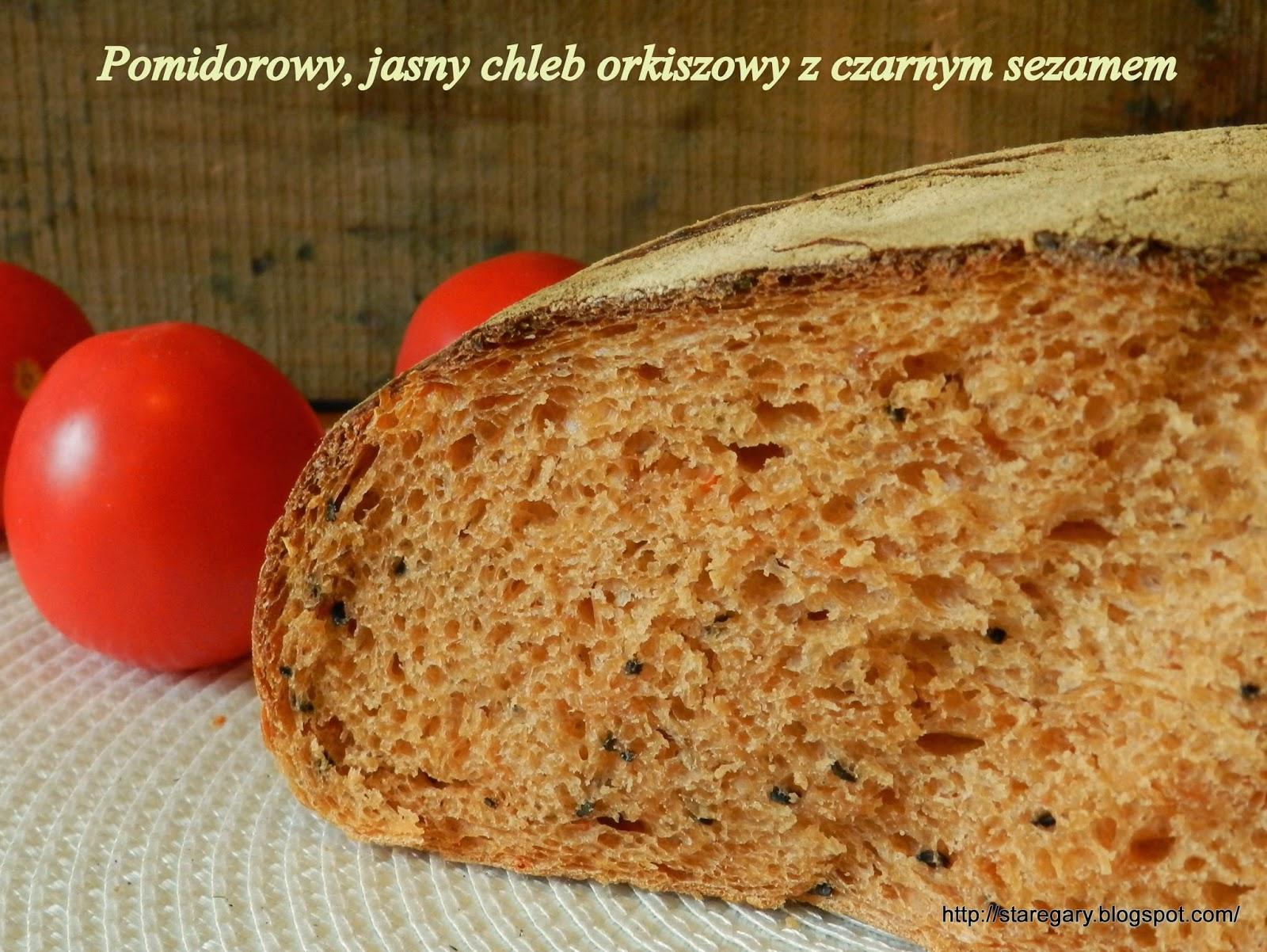 Pomidorowy, jasny chleb orkiszowy z czarnym sezamem - Kwietniowa Piekarnia