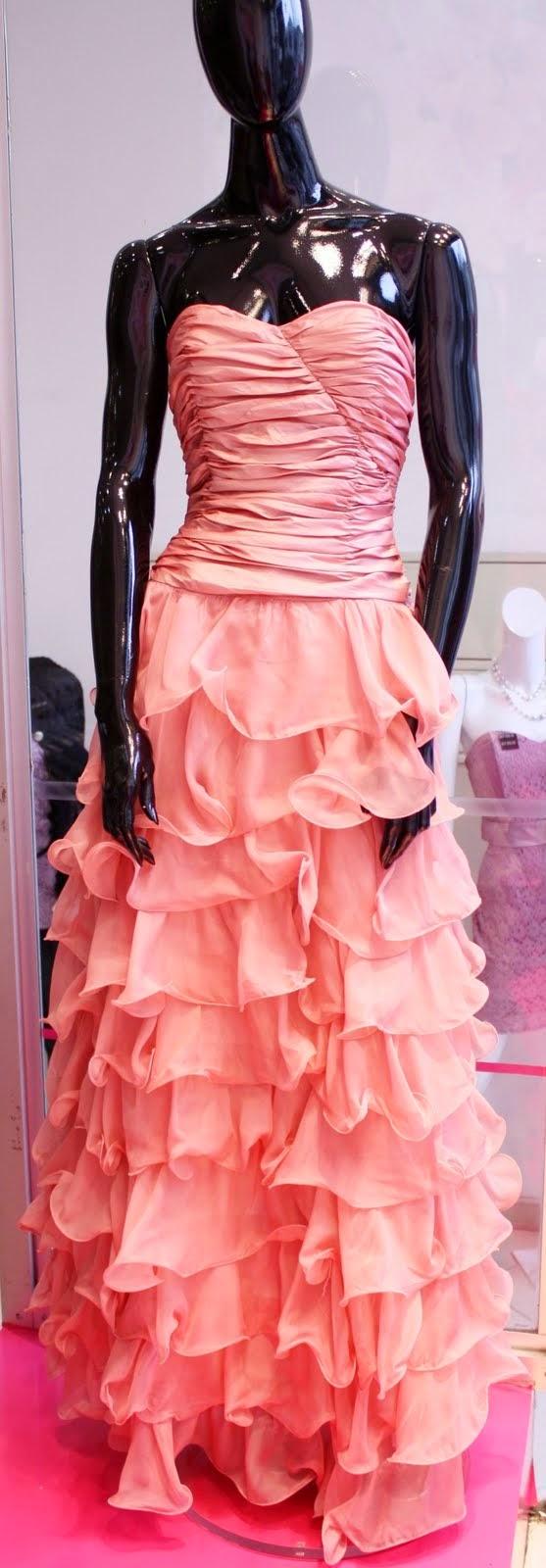 vestido longo em camadas