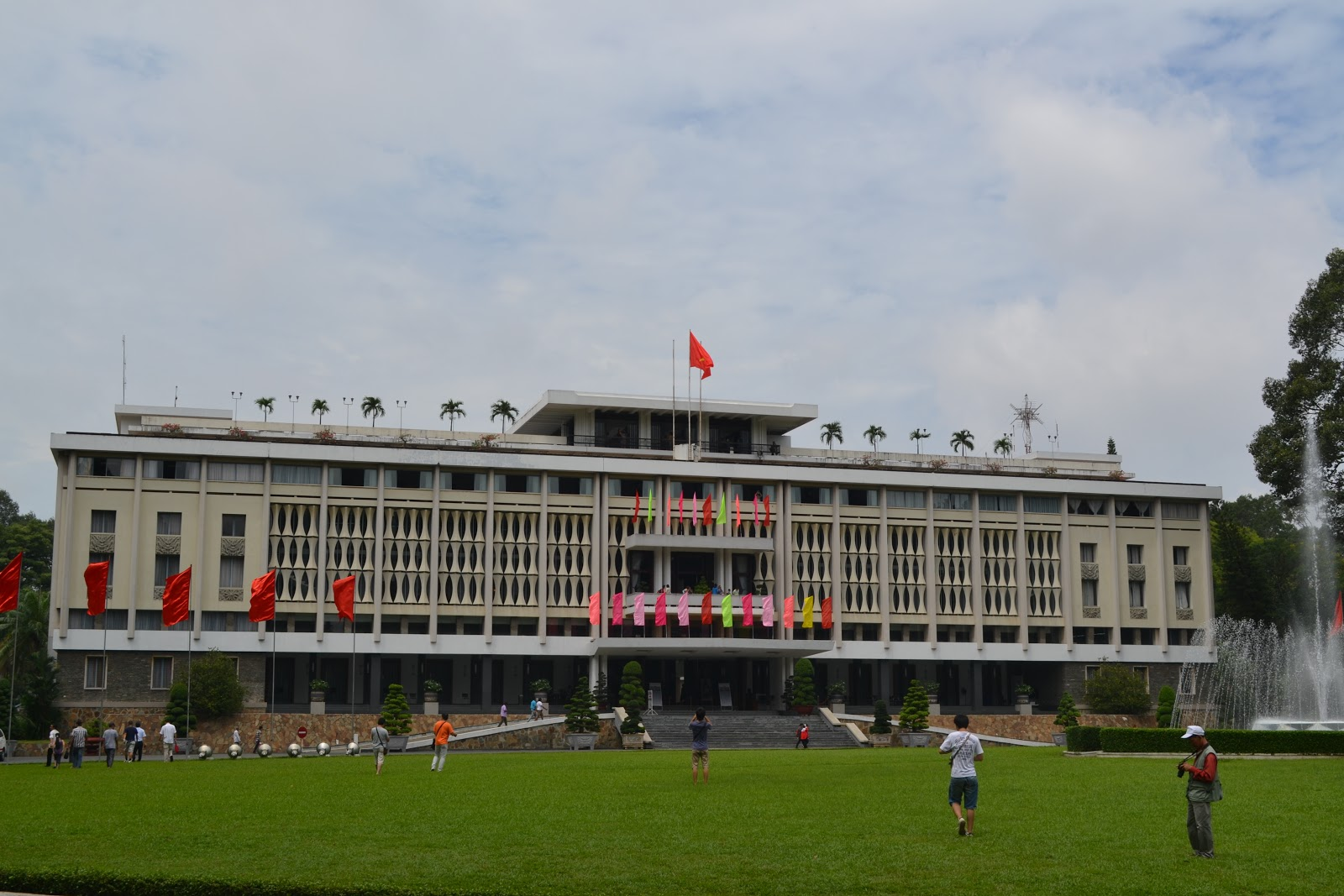 Reunification place , HO chi minh city