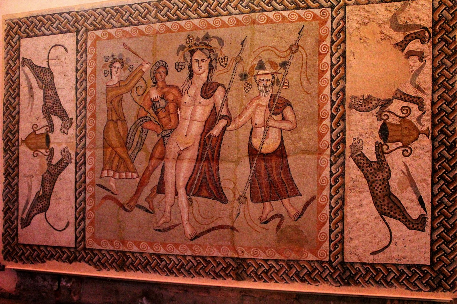 El mosaico de Baco de Complutum se puede ver en el Museo Arqueológico Regional de Alcalá de Henares
