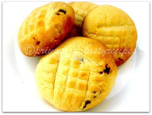Priya's Versatile Recipes: Eggless Lemon Cornmeal Cookies