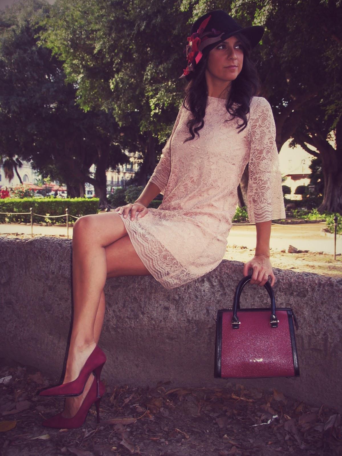 dress, lace, pizzo, rosa, cipria, cappello, scarpe, rosse