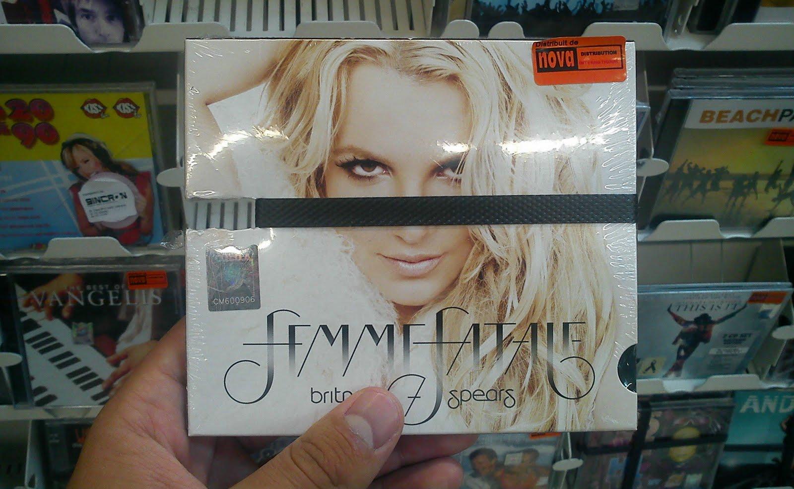 http://4.bp.blogspot.com/-mOOUOYEFf3Q/TjYU-VfixRI/AAAAAAAACx4/tyYaCe47ag4/s1600/Britney+Spears+Femme+Fatale+Carrefour.jpg