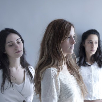 Las tres componentes del grupo madrileño Penny Necklace