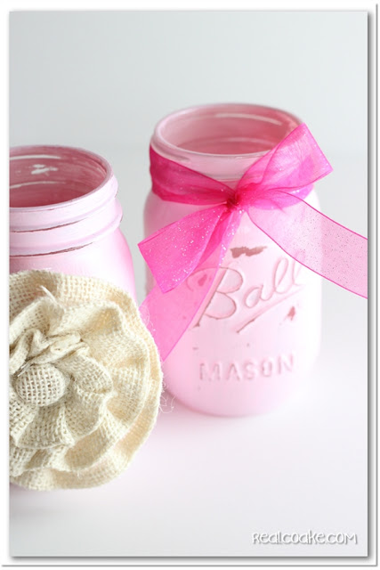 Cute and simple #MasonJar #craft to make a pencil holder. #GiftIdeas #RealCoake