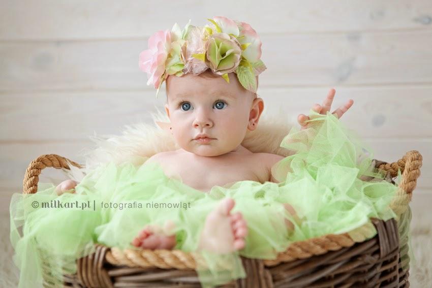 fotografia niemowlaków, sesje zdjęciowe dzieci, fotograf dziecięcy, sesja fotograficzna na prezent, profesjonalne zdjęcia noworodków