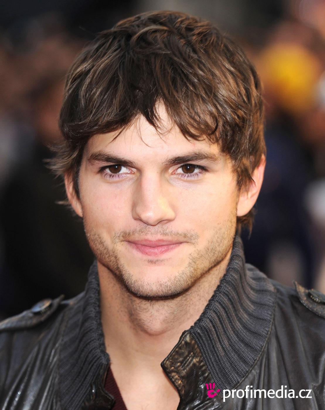 http://4.bp.blogspot.com/-mOdX26LwUdc/T7JieHeuK7I/AAAAAAAAN24/bykXoSwE4zI/s1600/kutcher-filme-jobs.jpg