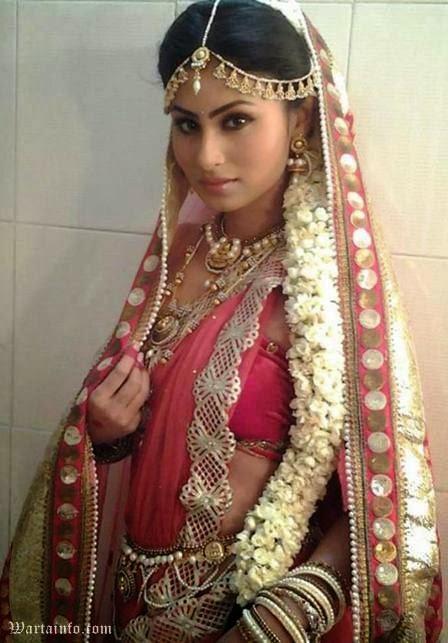 Foto Seksi Mouni Roy Artis cantik India Pemeran Dewi Sati di Serial Mahadewa ANTV