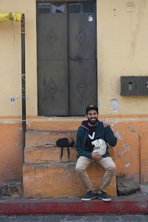 Joel sonriente en Tepoztlán