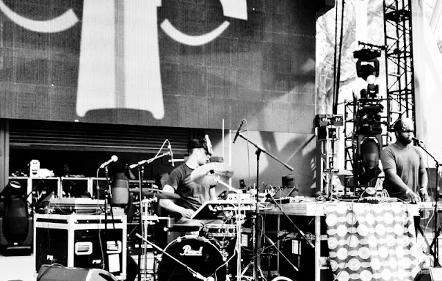 "DSC0940 SBTRKT   ""Live @ Ultra 2012"" / ""Hold On"" (VTT Photos / Official Music Video)"