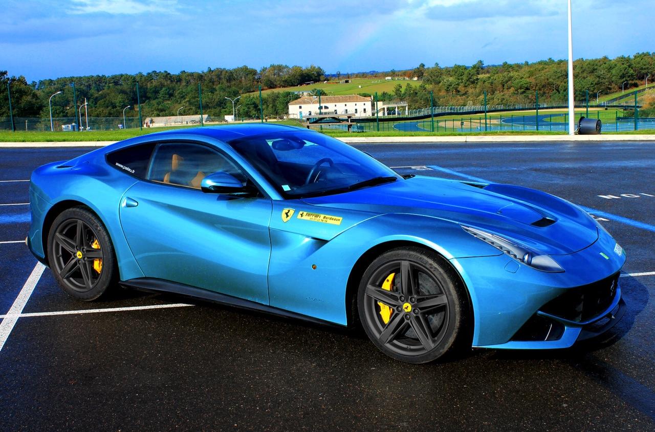 中華車庫 - CHINA GARAGE: We Just Love Cars!: Blue Ferrari F12