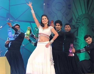 Akshay,Katrina & Priyanka at Police Umang Show 2013,Akshay,Katrina & Priyanka at Police Umang Show 2013