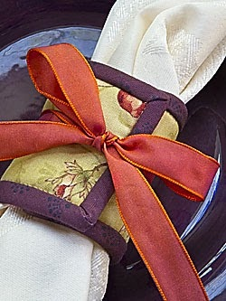erin winfree table runner and napkin ring pattern