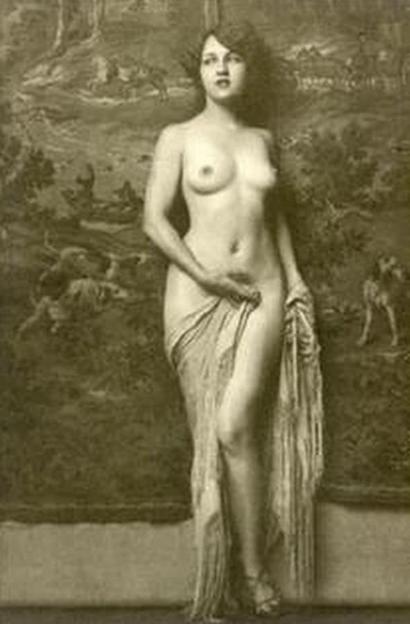 Talitha Luke-Eardley desnuda en Camino Sangriento 6