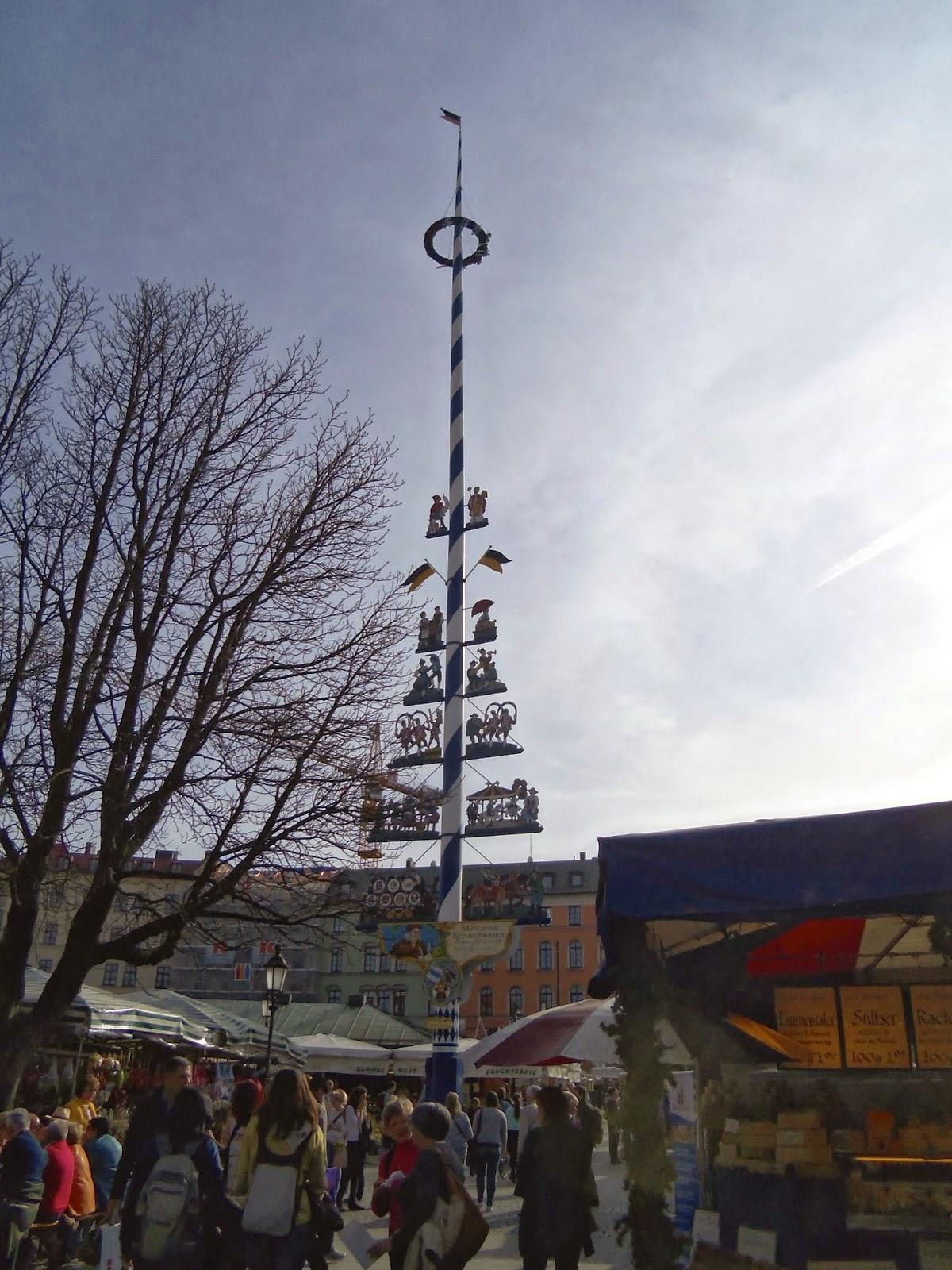 Viktualienmarkt Maypole Munich