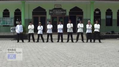 SNSG (Santri Suwung) – Pinter Ngaji (Boyband Muslim)
