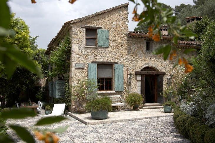 Estilo rustico exteriores rusticos en francia for Villas francesas