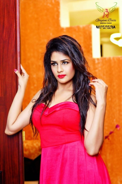Maheshi Madushanka Hot Photos