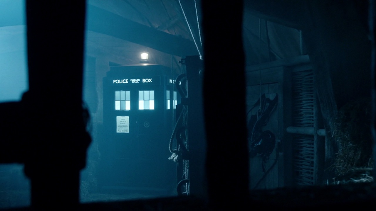Tardis Musings October 2015 Police Lights Circuit Electronic Circuits Pinterest The Telepathic Once More Plays A Part As Arrives In Doctors Childhood It Materialises Barn