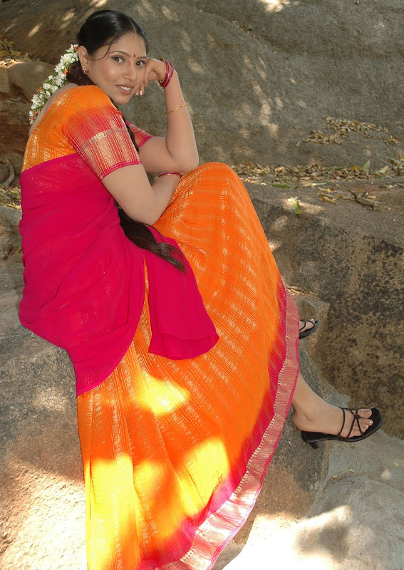 Tollywood Actress Sanghavi Half Saree Photos glamour images